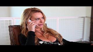 Loira atriz porno toma a pica dura do sobrinho careca