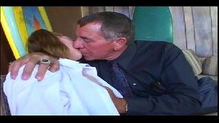 Novinha em porno xvideos dando para seu avo