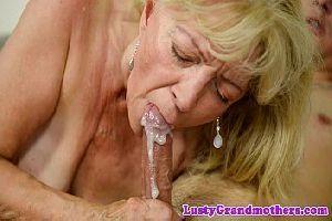 Vovó fodeu com o neto e tomou gozada na boca