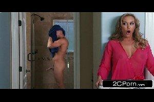 Rapaz em video sexo gratis com sua mae loira