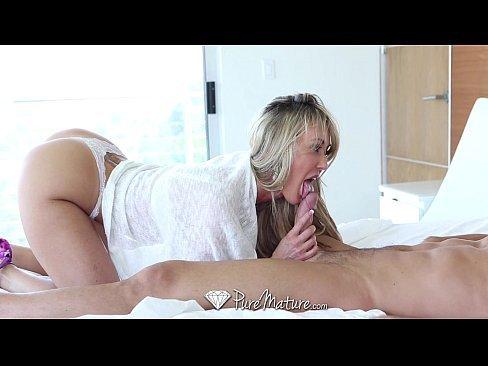 Baixar porno com rapaz comendo a tia perfeita