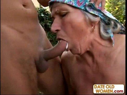 Vo idosa no video pornor fazendo sexo