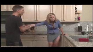Tia linda em you porno fodendo na cozinha