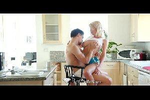 Na cozinha melhores videos porno com a tia